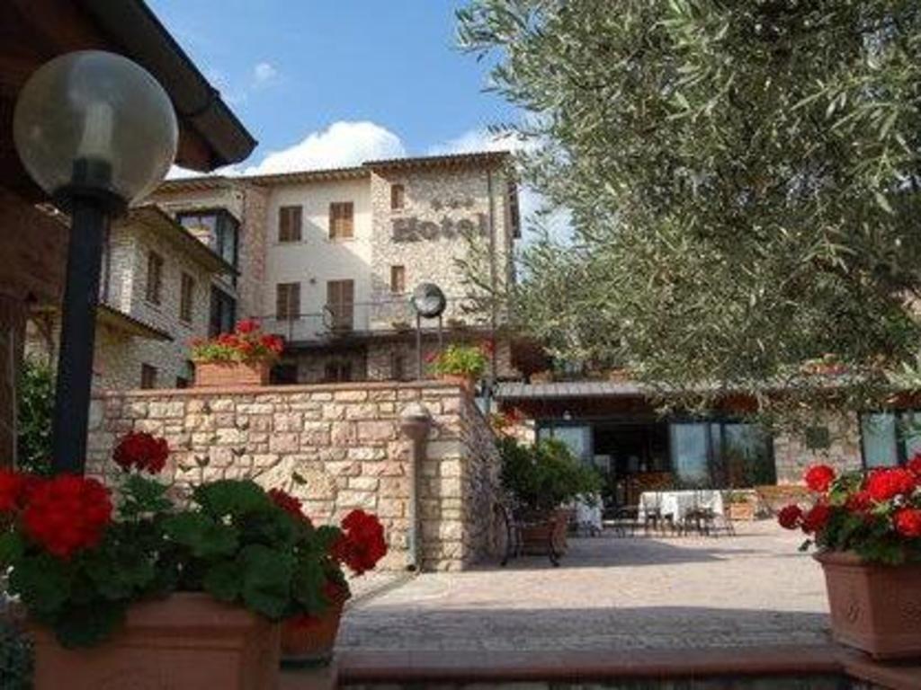 Hotel La Terrazza in Assisi - Room Deals, Photos & Reviews