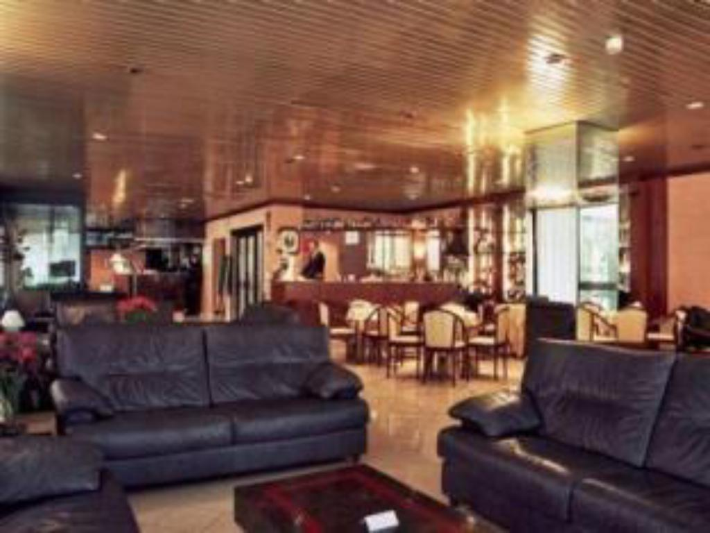 Hotel amadeus in bologna room deals photos reviews for Hotel bologna borgo panigale