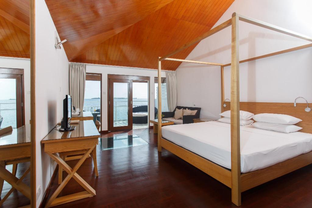 Over Water Villa - Guestroom