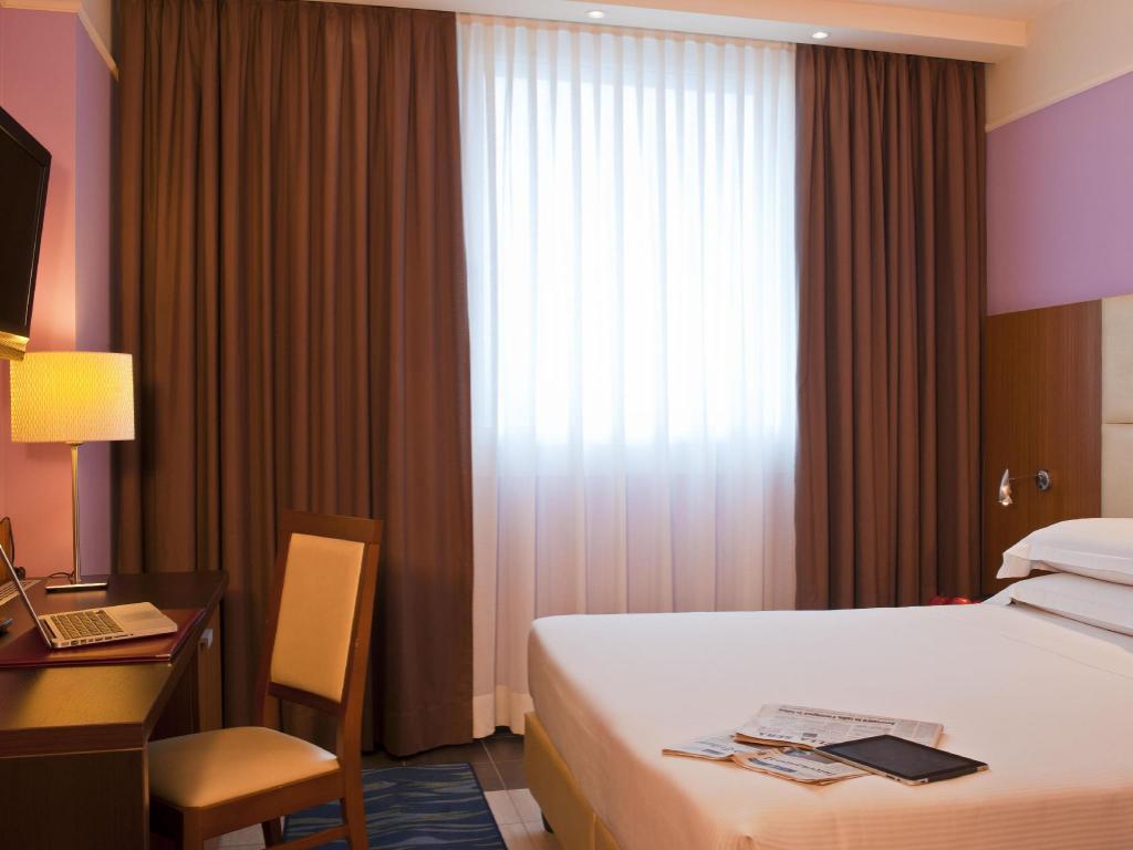 Cdh my one hotel bologna in italy room deals photos for Hotel bologna borgo panigale