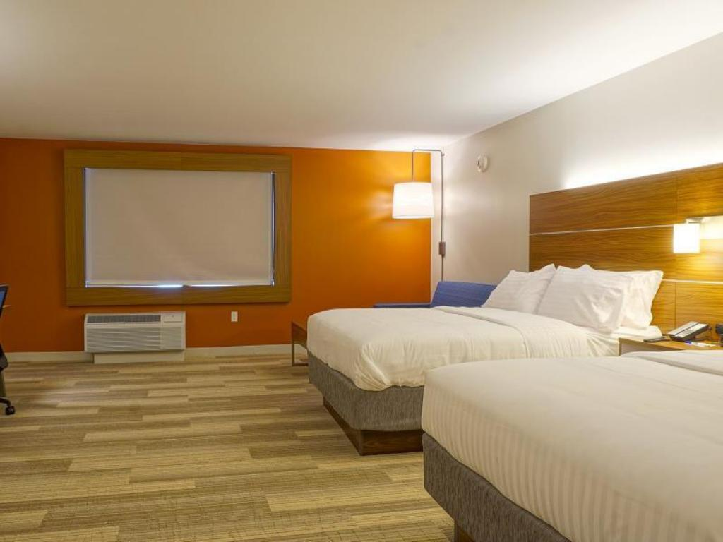 Two Queen Beds Non-Smoking - Guestroom Holiday Inn Express & Suites Omaha - Millard Area