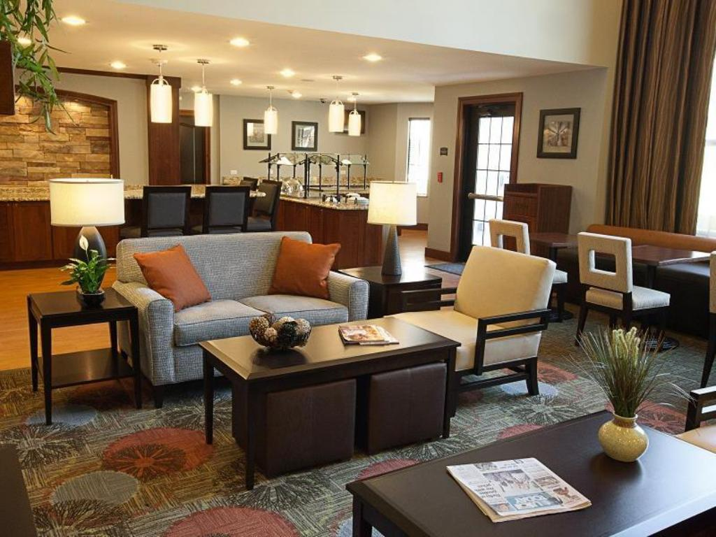 לובי Staybridge Suites Omaha West