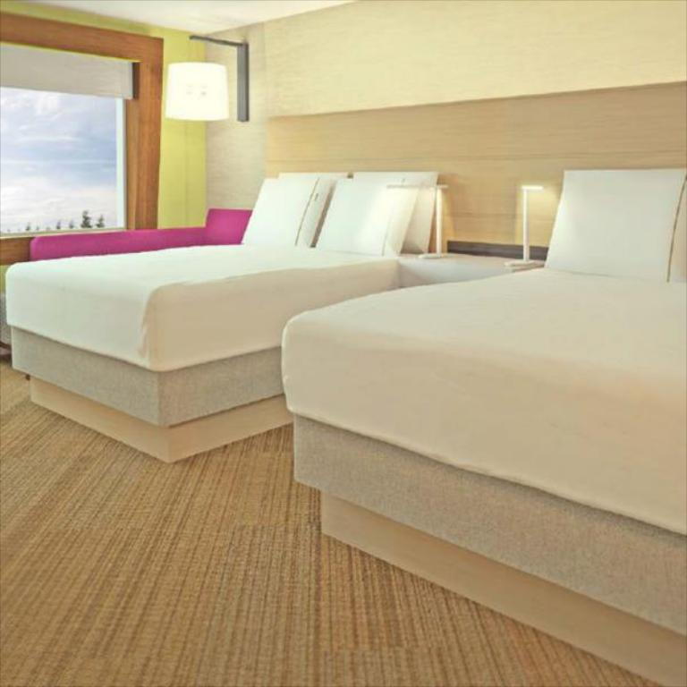 Suite 2 Bed Hearing Accessible Non-Smoking - Легло Holiday Inn Express & Suites Coldwater