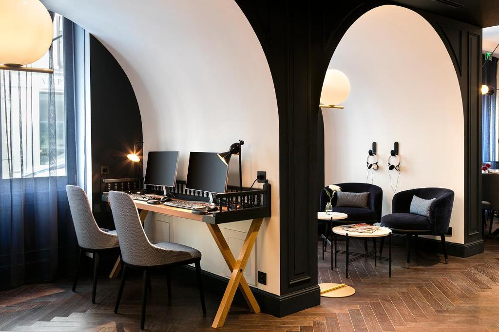 hotel square louvois in paris room deals photos reviews. Black Bedroom Furniture Sets. Home Design Ideas