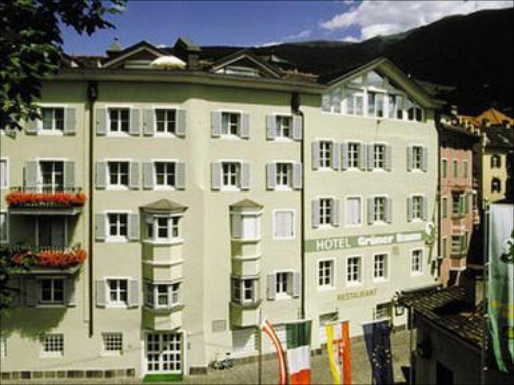 Hotel Gruner Baum In Bressanone Room Deals Photos Reviews