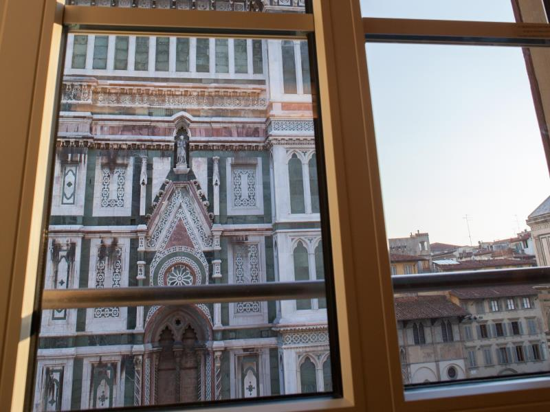 Deluxe Florence Cathedral View Apartment