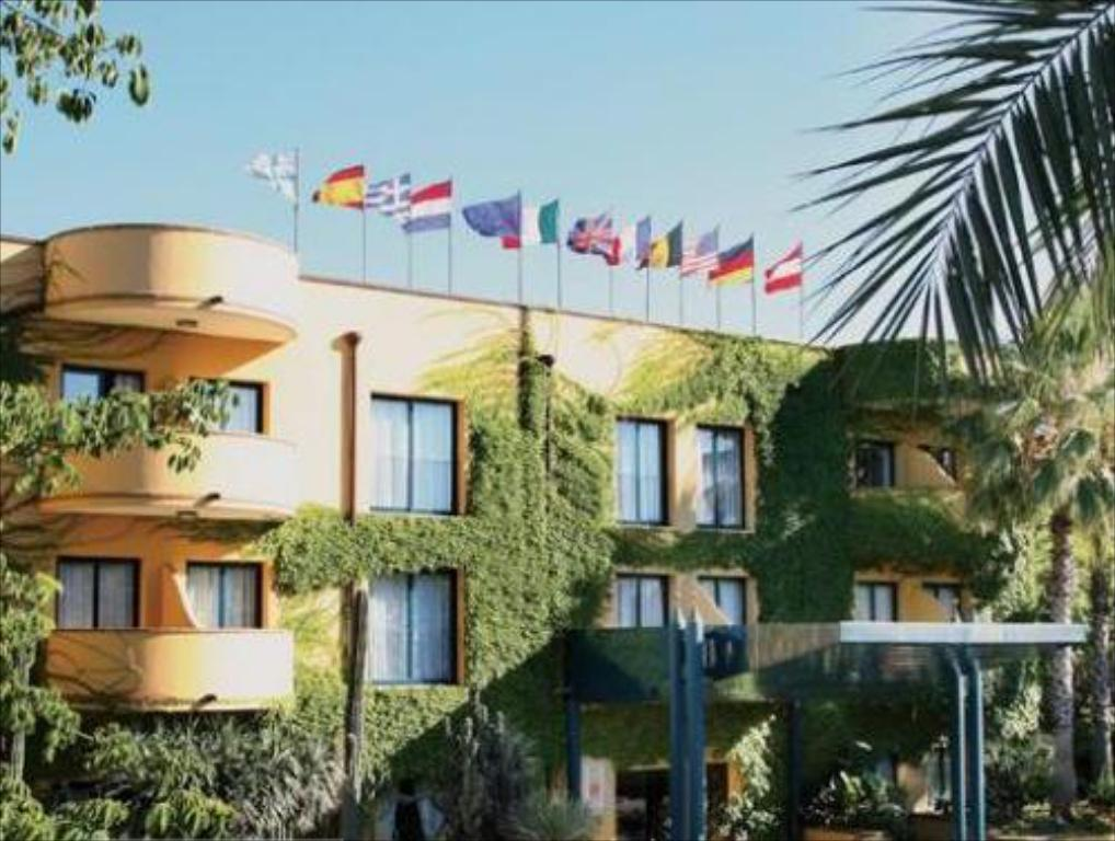 Hotel caesar palace giardini naxos affari imbattibili su - Hotel caesar palace giardini naxos ...