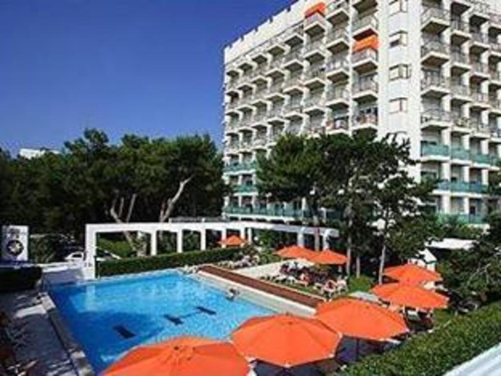 International Beach Hotel In Lignano Sabbiadoro Room Deals Photos