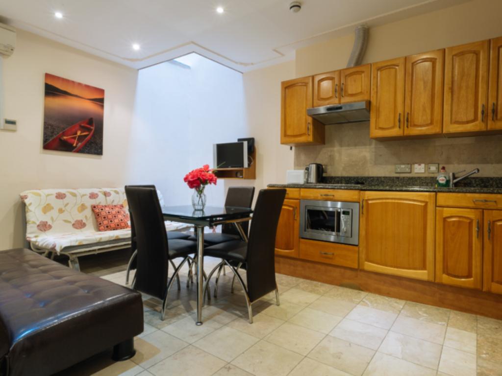 London Plaza Serviced Apartments Entire apartment - Deals ...