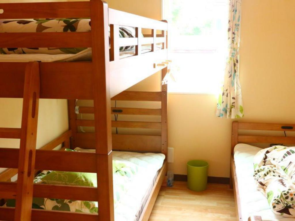 1 Person in 3-Bed Dormitory - Female Only - Bedroom Hostel Fujisan YOU