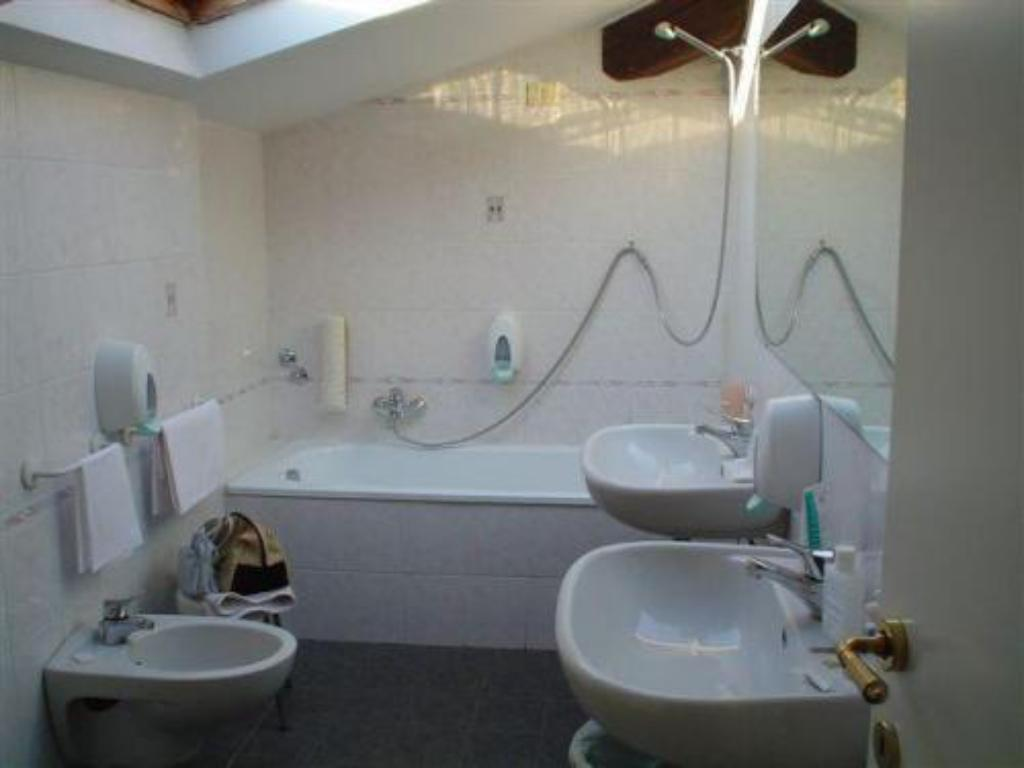 Single - Bathroom Hotel Internazionale