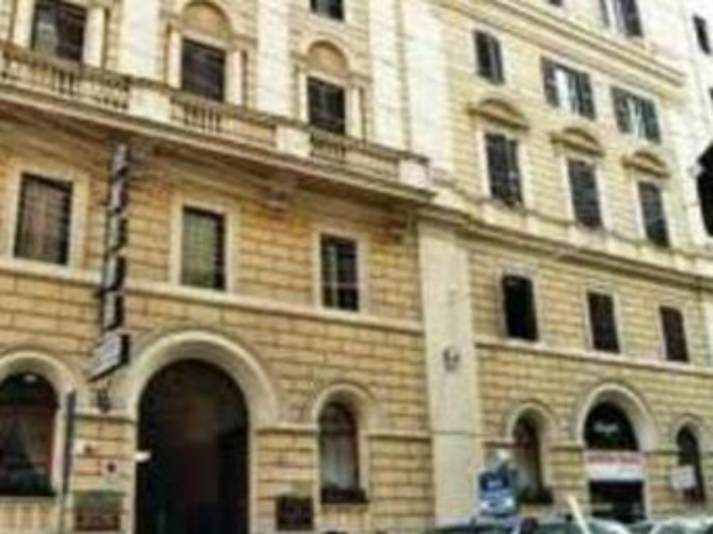 More About Hotel Continentale