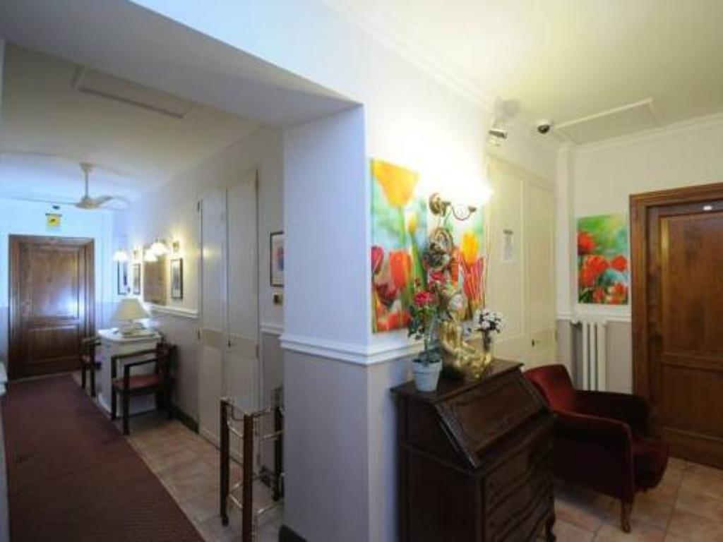 7 9 Very good guest rating. Best Price on Hotel Sweet Home in Rome   Reviews