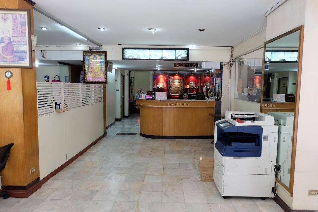 Lobby Sukhumvit 11 business inn by bunk