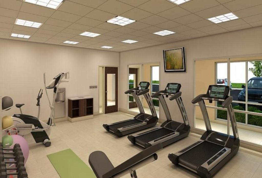 Fitness center Holiday Inn Express & Suites Brentwood