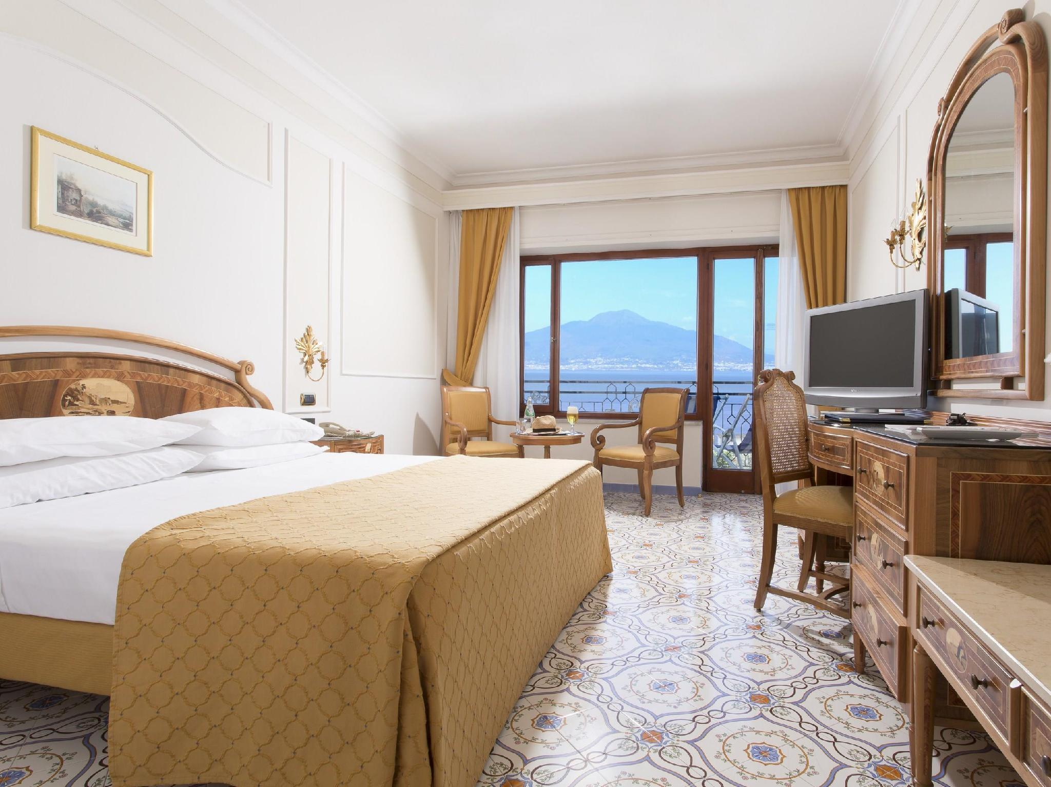 Çift Kişilik/İki Yataklı Premier Oda - Balkonlu (Premier Double or Twin Room with Balcony)