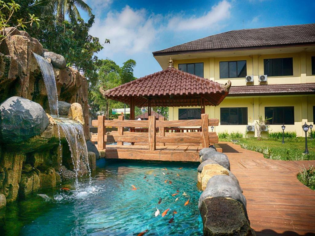 Hotel Gerbera In Puncak Room Deals Photos Reviews