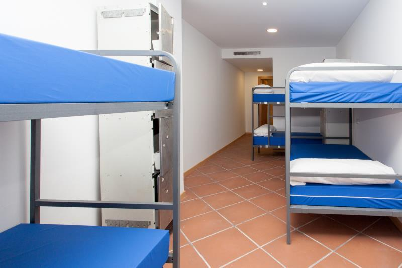 10 bed shared room