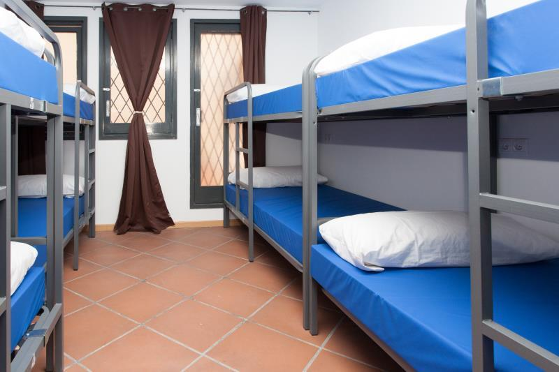 24-Bed Mixed Dormitory