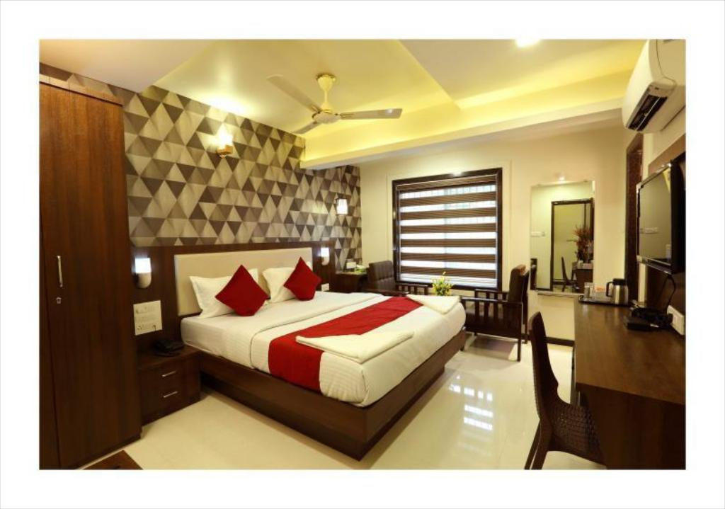 Awesome Hotel Kochi Caprice In India Room Deals Photos Reviews Interior Design Ideas Apansoteloinfo