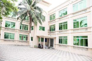 Puri Holiday Apartments