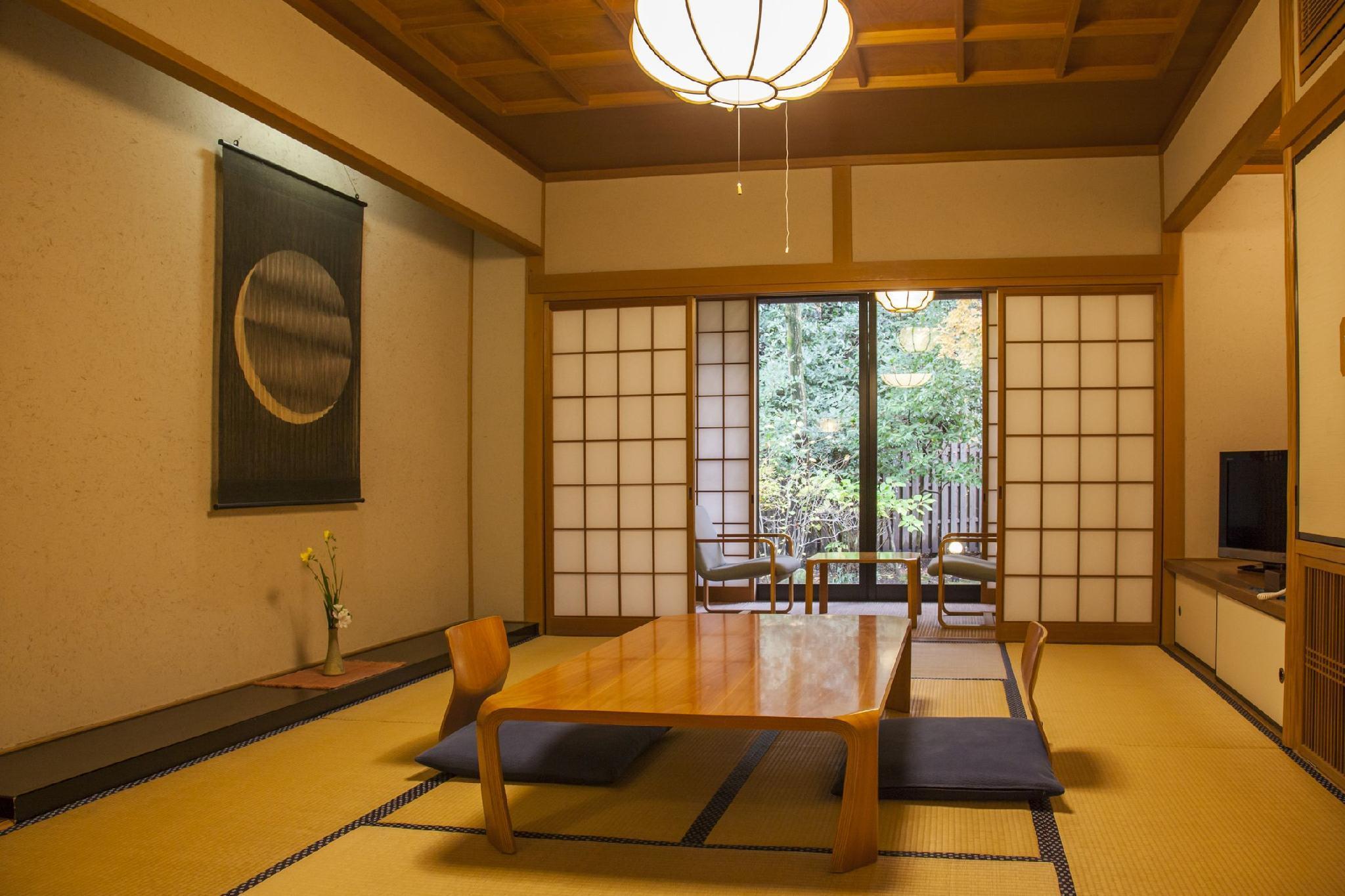 Yufuin onsen ryokan hananomai in japan room deals - Ryokan tokyo with private bathroom ...