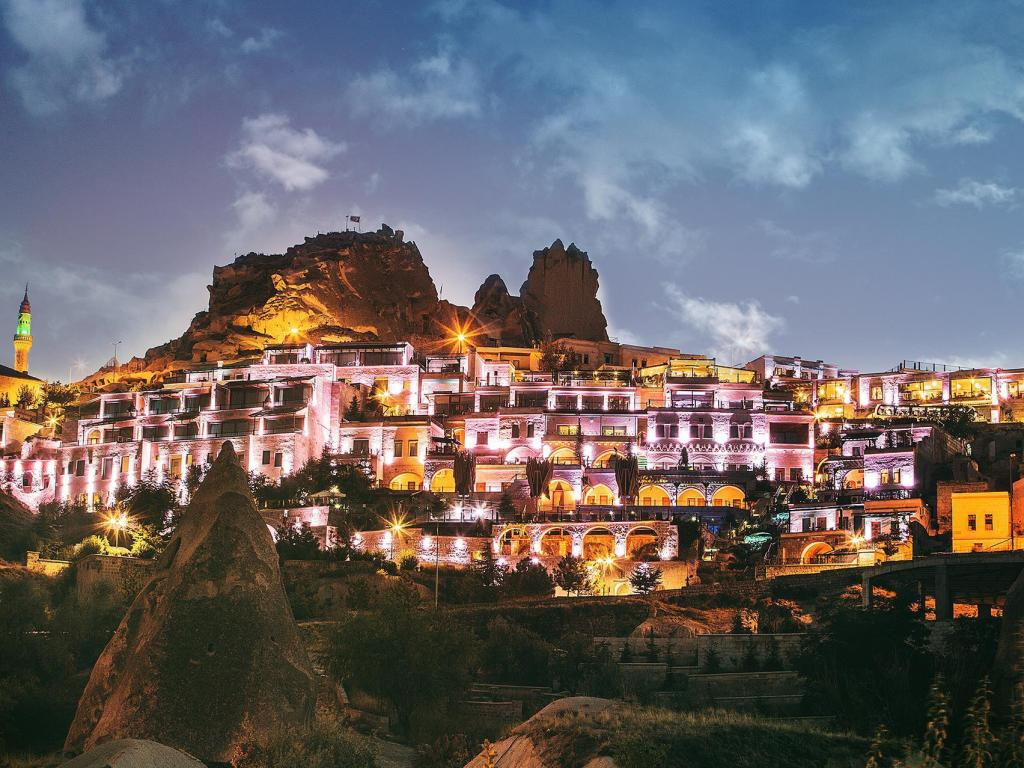 卡帕多西亚石窟CCR水疗度假村 (CCR Cappadocia Cave Resort and Spa)
