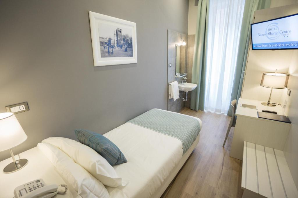 Single Room with Shared Bathroom - View Nuovo Albergo Centro Hotel