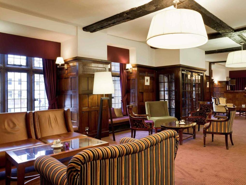 Empfangshalle Mercure Banbury Whately Hall Hotel