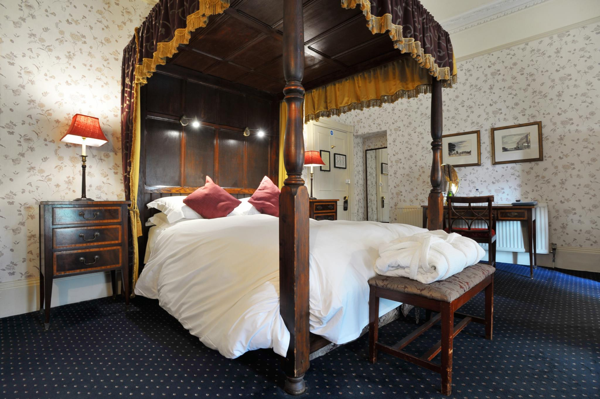 Superior Four-Poster Double Room