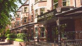 Malone Lodge Hotel and Apartments
