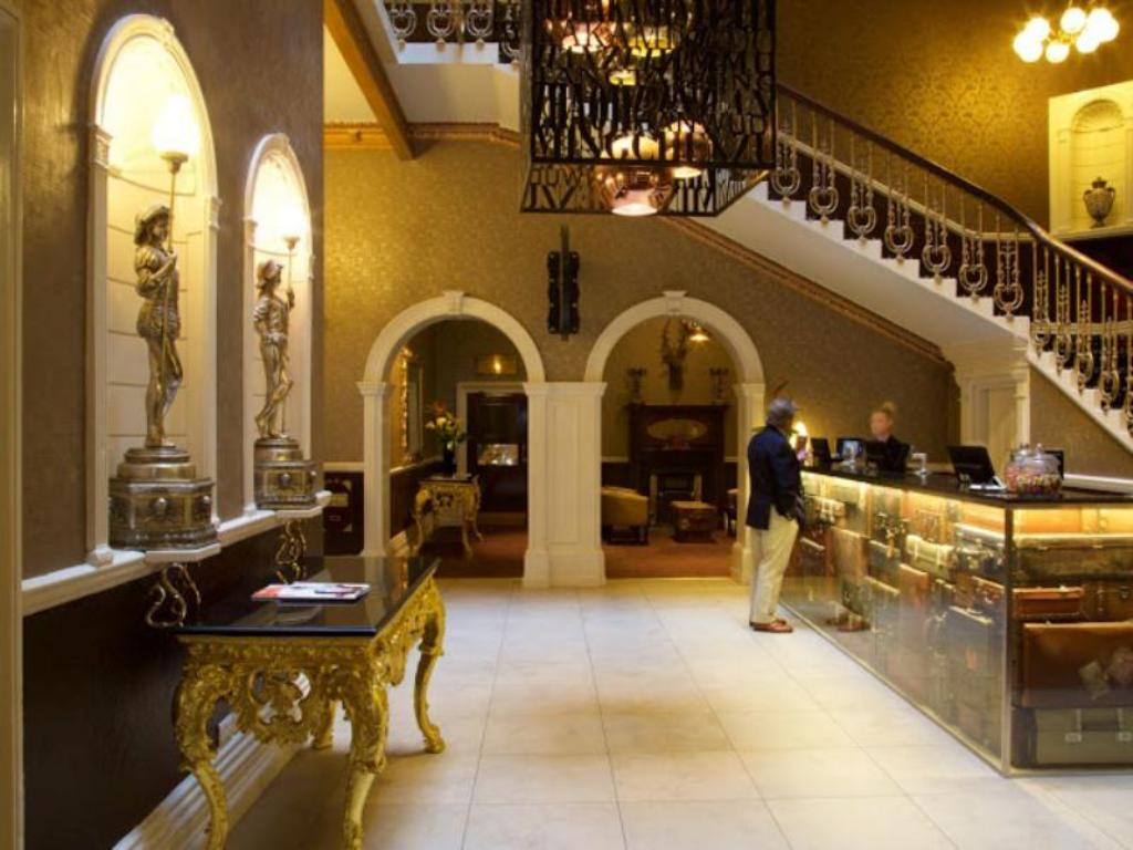 Best Price on Hallmark Hotel The Queen Chester in Chester + Reviews!