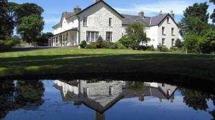 Plas Dinas Country House