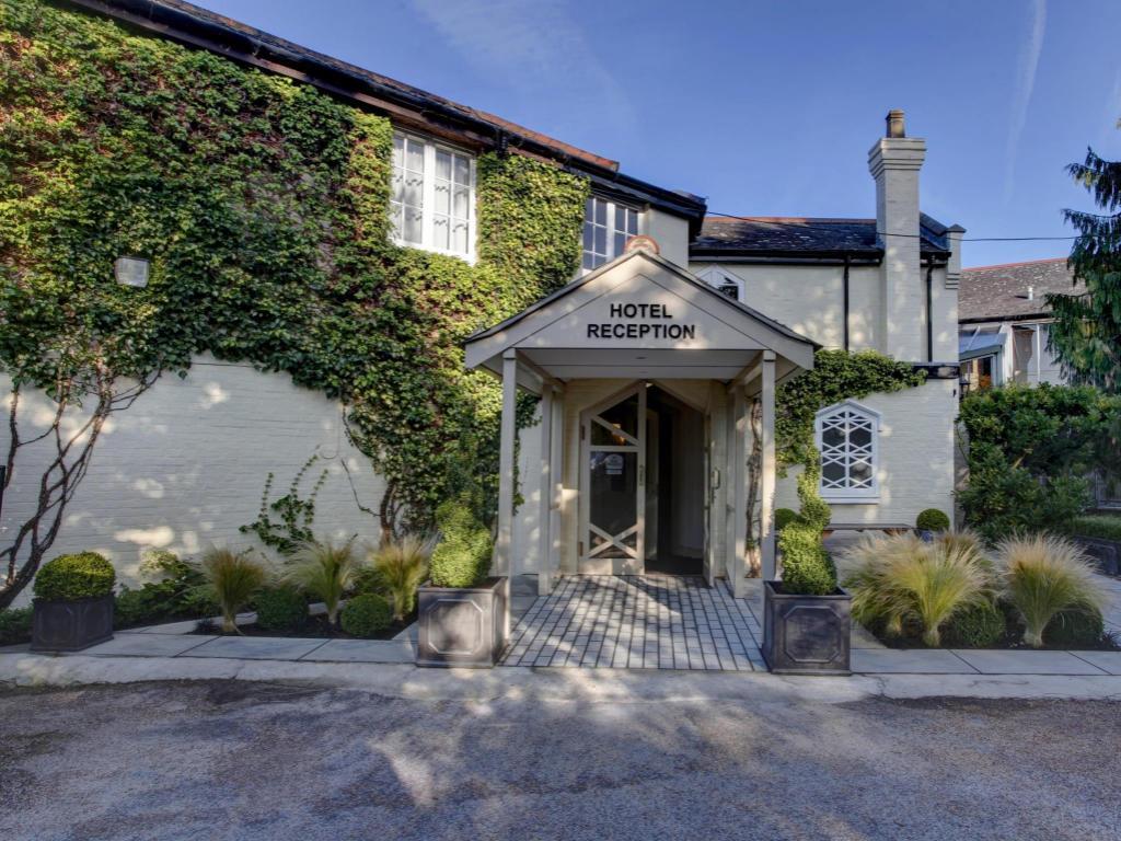 best price on best western ivy hill hotel in chelmsford. Black Bedroom Furniture Sets. Home Design Ideas