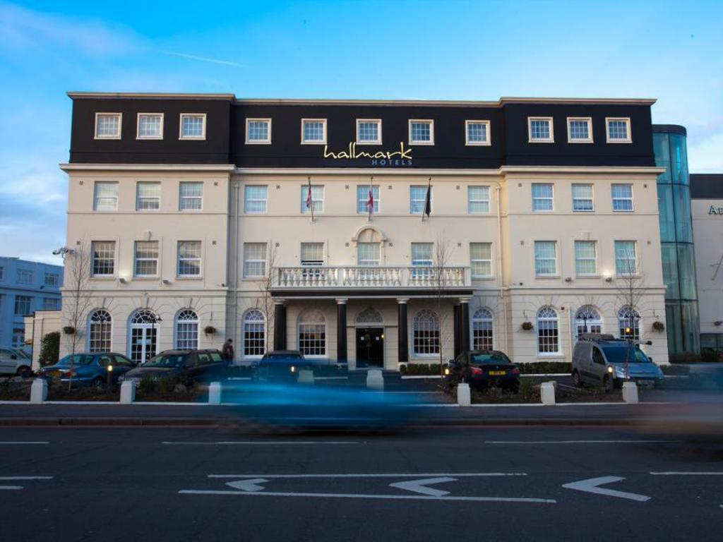 Best Price On Hallmark Hotel Croydon Aerodrome In London