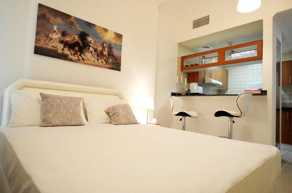 Furnished Studio For Rent - Dubai Marina Entire apartment ...