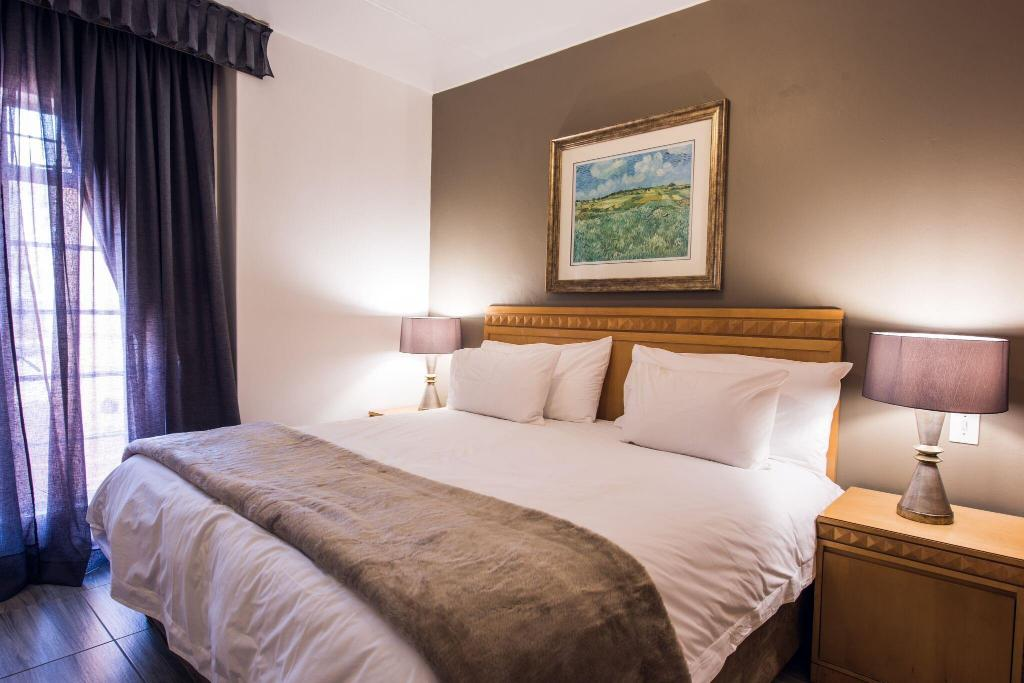 One Bedroom Suite  Airport Inn Executive Suites