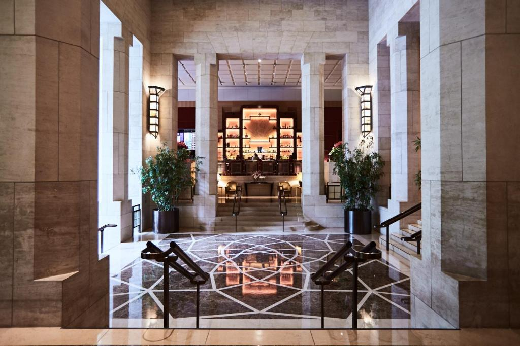 Hall Four Seasons Hotel New York