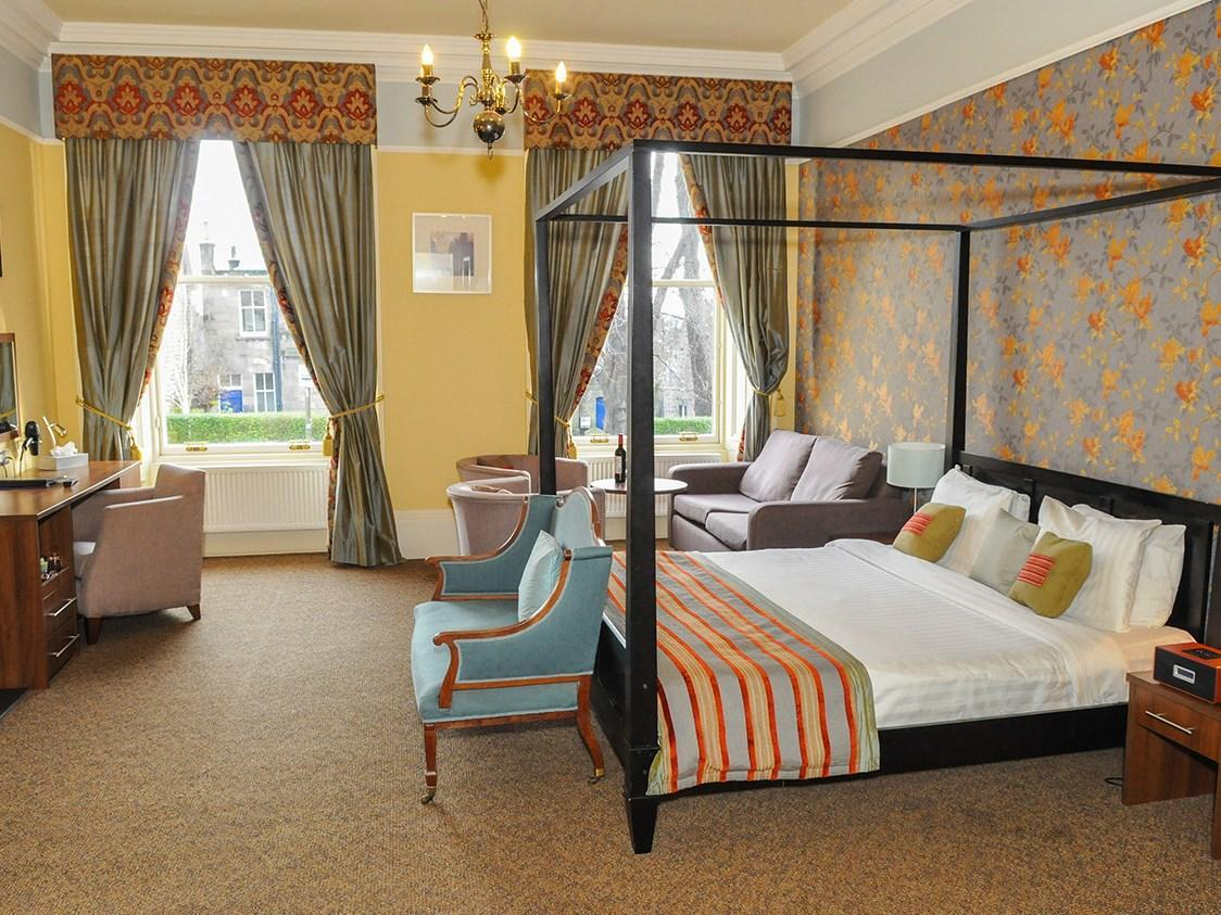 Four Poster Bed Suite