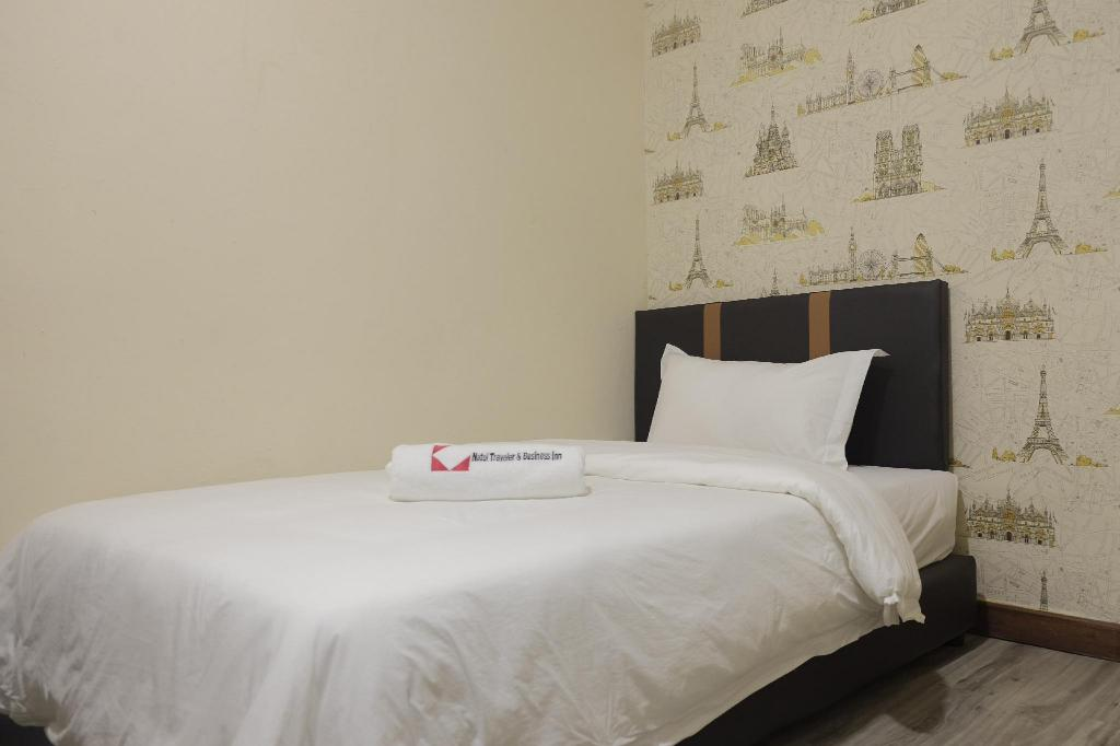 Single Room with Shared Bathroom - Bed Natol motel - Paris