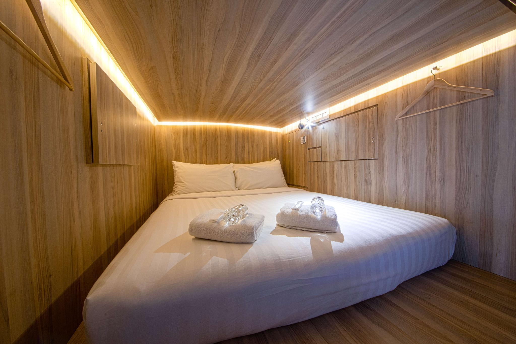 Cube Boutique Capsule Hotel Chinatown Sg Clean Certified In Singapore Room Deals Photos Reviews