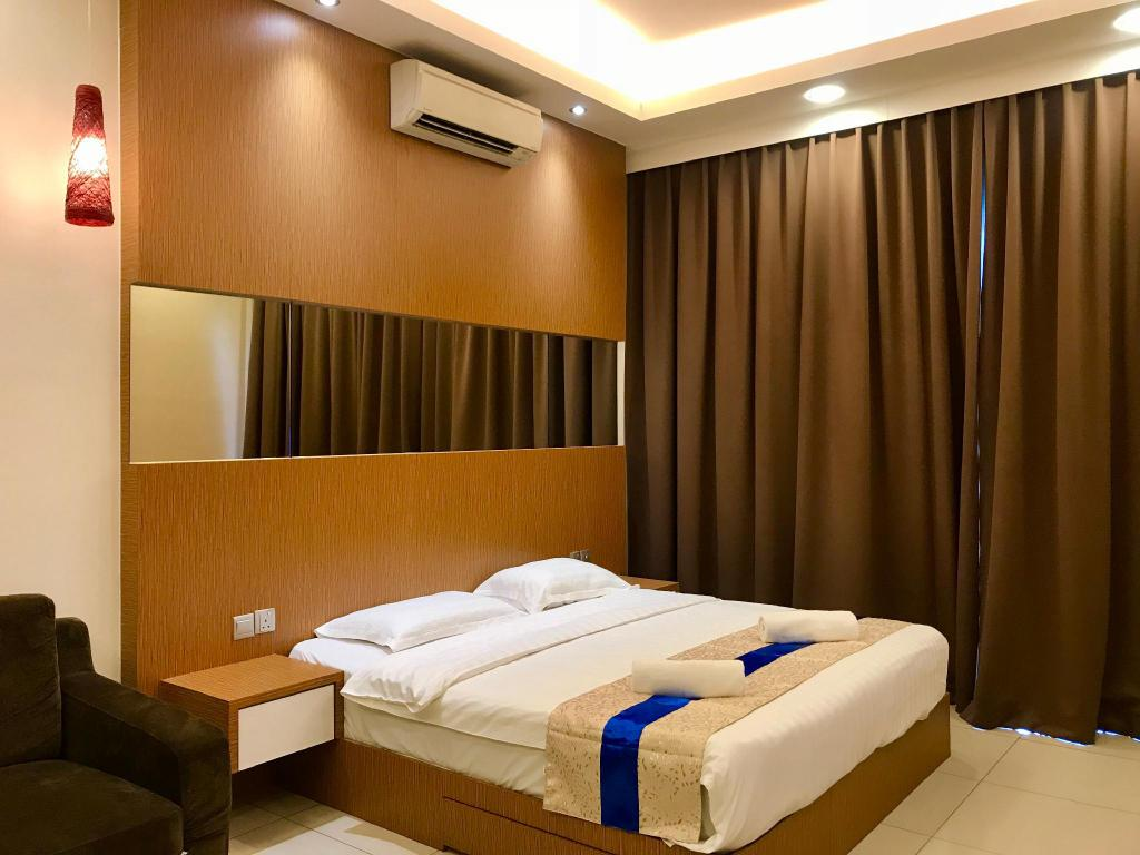 Comfort Studio Apartment - Bed Sunset & Seaview Vacation Condo City Centre @ IMAGO Shopping Mall