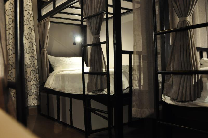 Mixed 8-Bed Dormitory Room