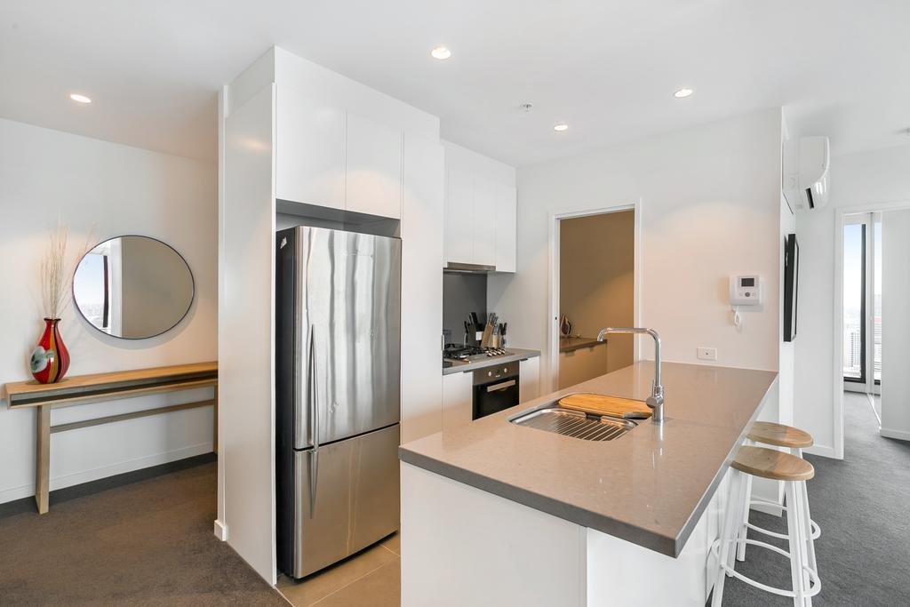 Guestroom Serviced Apartments Melbourne - Platinum