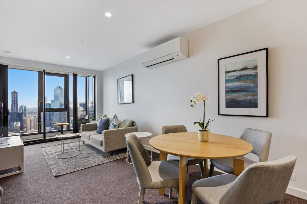 Dining room/area Serviced Apartments Melbourne - Platinum