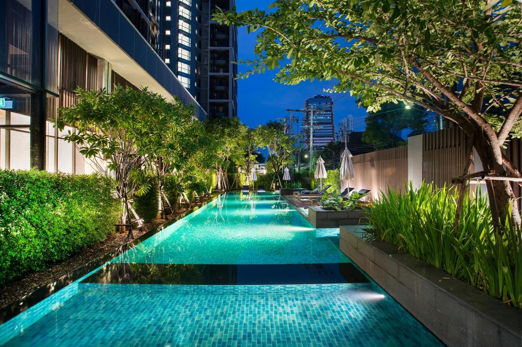 Swimming pool [outdoor] Somerset Ekamai Bangkok