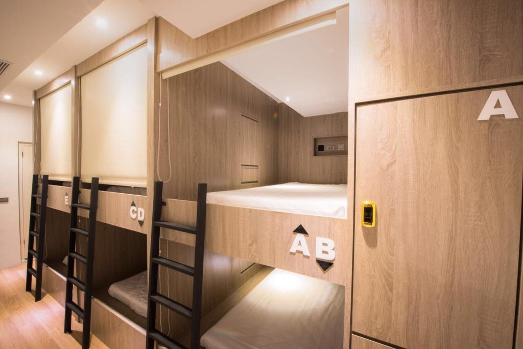 1 Bed in Dormitory (Female) Legend Hotel Pier 2