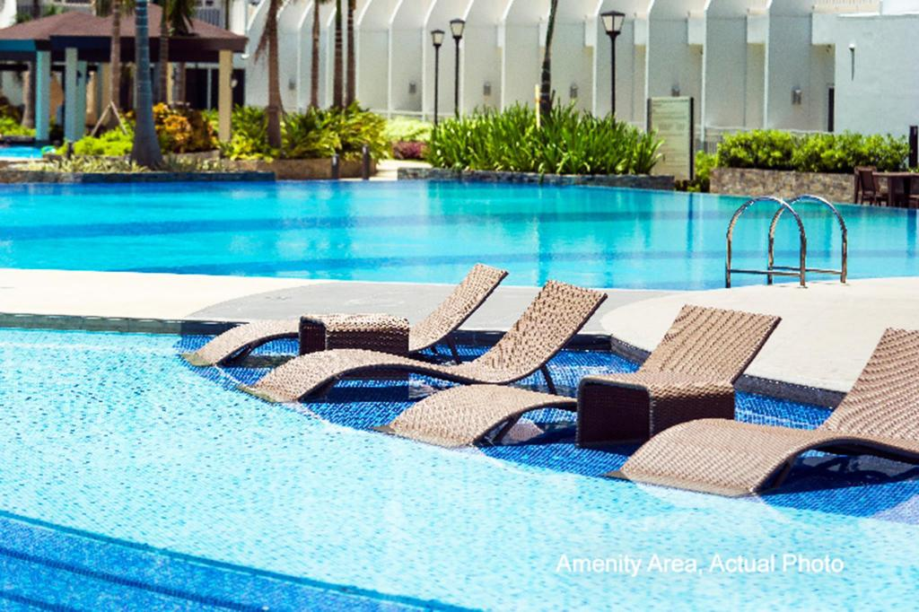 Swimming pool [outdoor] Shell Residences by Homebound Serviced Apartment
