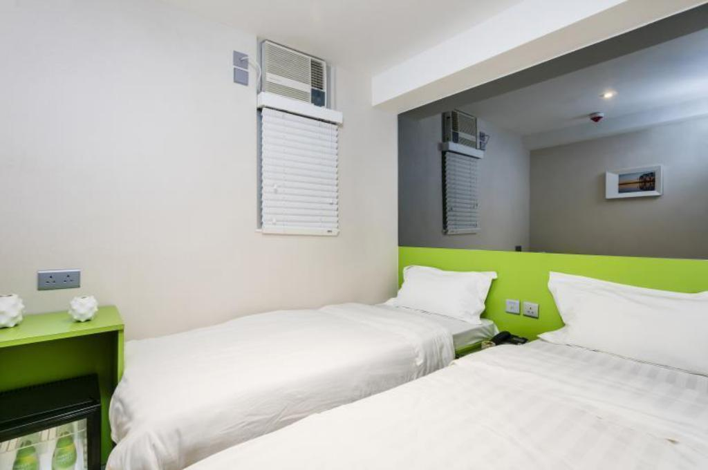 Superior Twin or Double Room Pop Inn