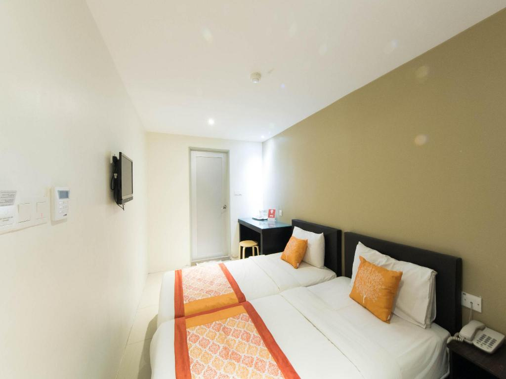 More about OYO 152 Swiss Cottage Hotel